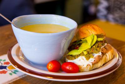 Croissant Mexicain avec une soupe du jour
